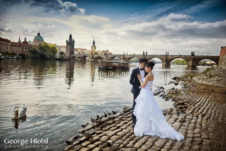 Prague pre-wedding photography - Overseas pre-wedding photo shoot Prague by George Hlobil