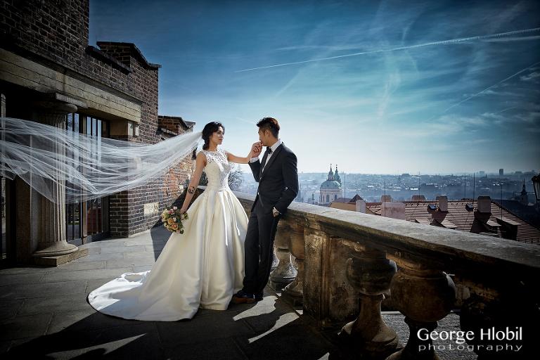 Prague pre-weddding photo shoot - Pre-wedding photography by George Hlobil