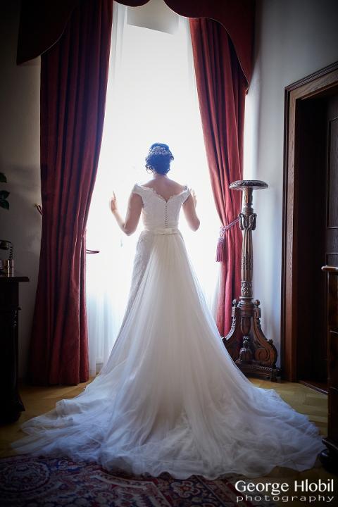 Prague wedding photographer - Wedding portrait photography - Chateau Stirin wedding