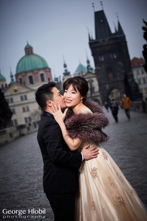 Pre-wedding pictures Prague