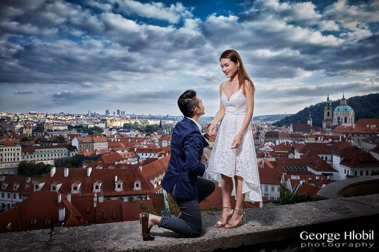 Prague wedding photographer reviews photographer in for Surprise engagement photo shoot